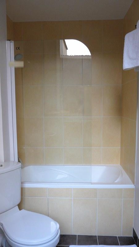 chambre 2 lits salle de bain