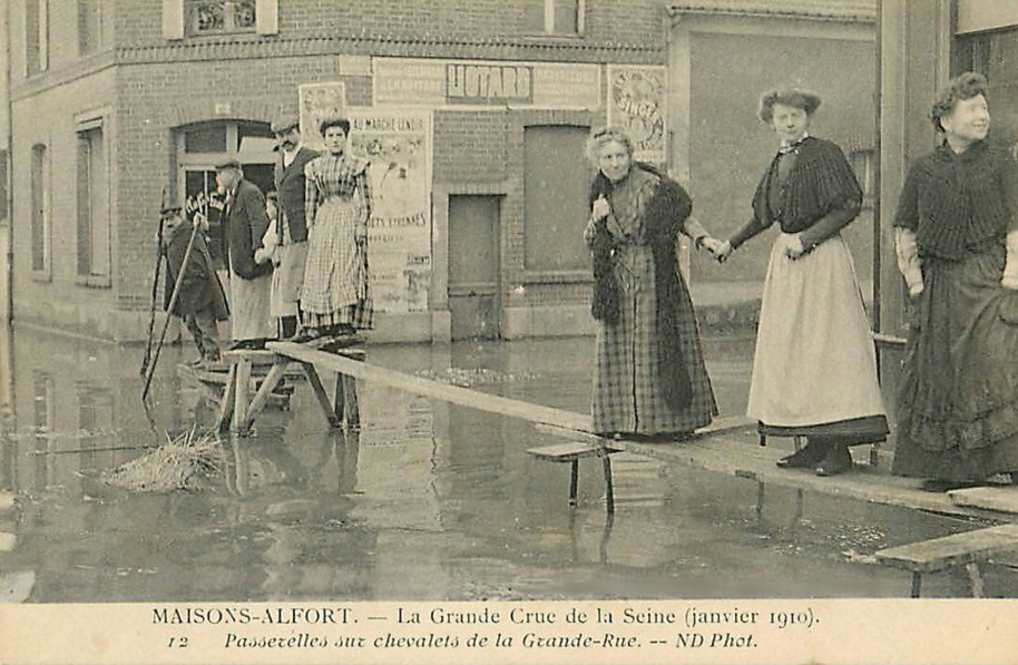 1910 Maisons-Alfort Hôtel des Bains passerelles au sec